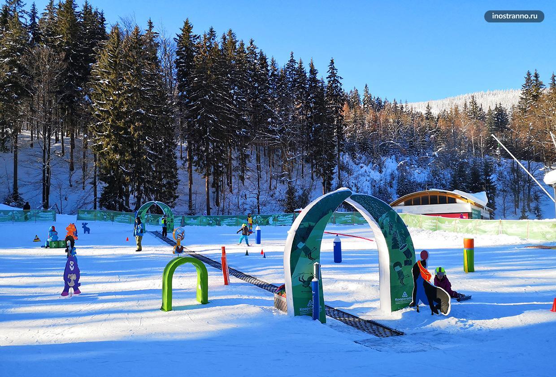 Тренировочная трасса катание на лыжах для детей в Чехии