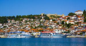 Охридское озеро – живописное горное озеро на Балканах