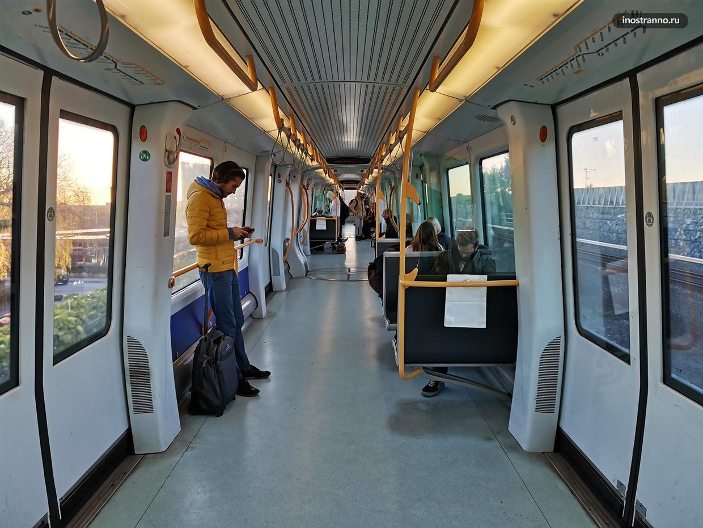 Вагон метро в Копенгагене