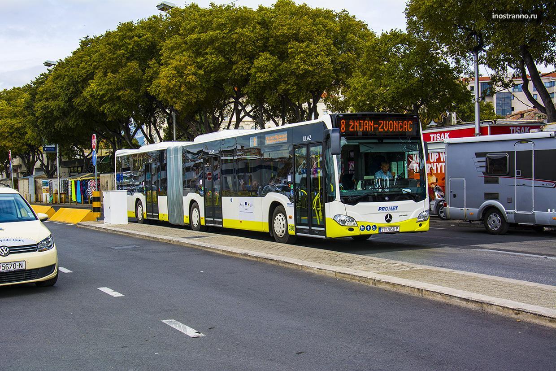 Автобус в хорватском городе Пула