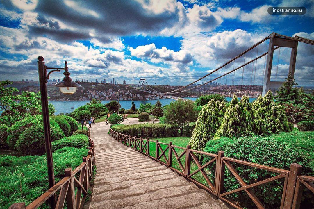 Холм Отагтэпэ с Стамбуле вид на вантовый мост