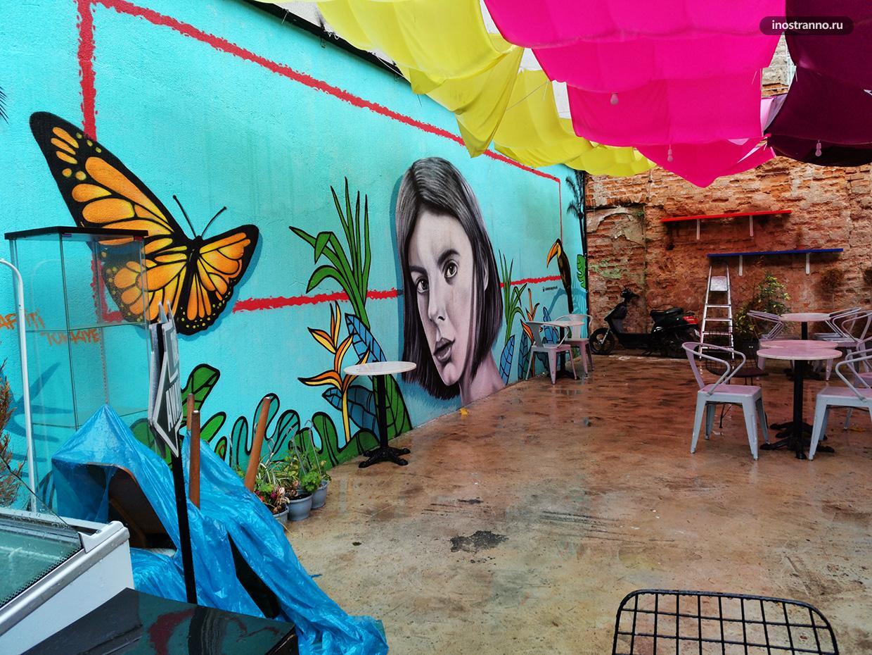 Граффити в кафе