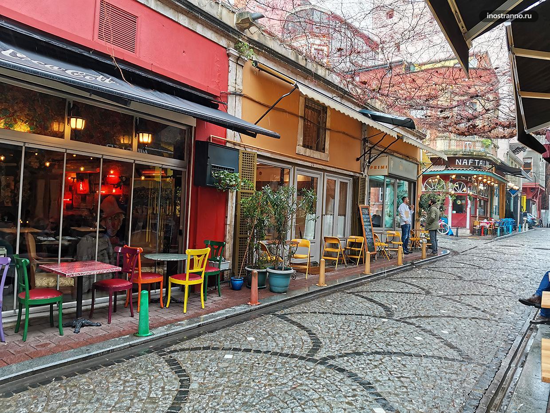 Стамбул яркое кафе