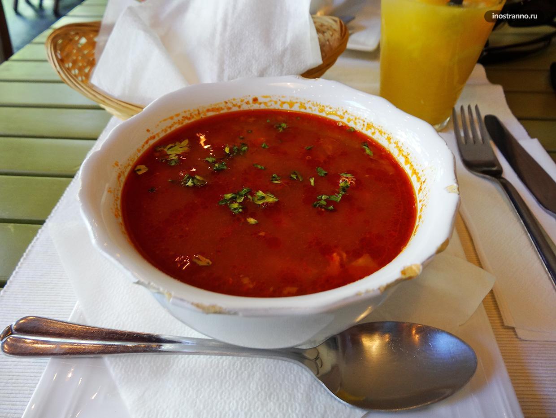 Ресторан со шведским столом в БудапештеTrofea Grill Ettrem