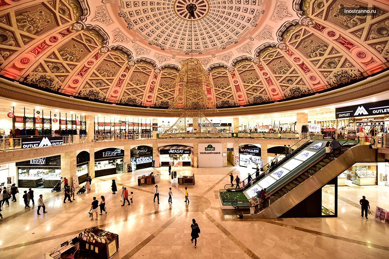 Viaport большой аутлет недалеко от аэропорта Сабиха Гекчен в Стамбуле