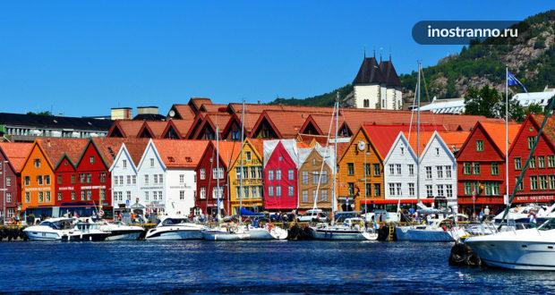 Городки с самыми фотогеничными яркими домиками