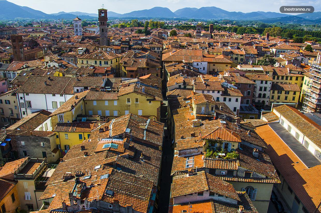 Интересный город Лукка недалеко от Пизы