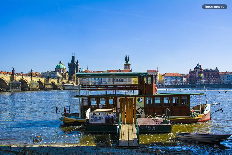 Лодочная прогулка по Праге