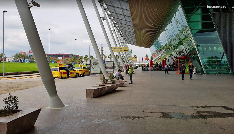 Международный аэропорт Тираны