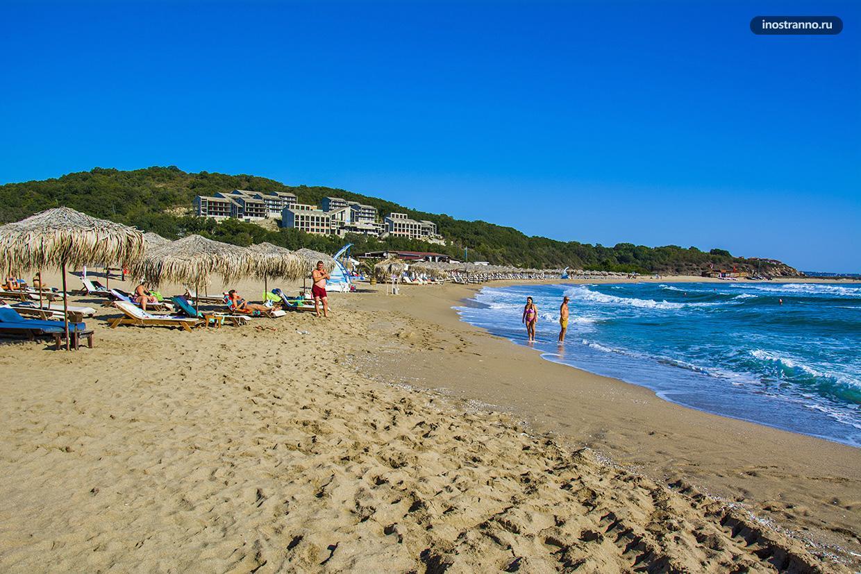 Аркутино песчаный чистый пляж в Болгарии