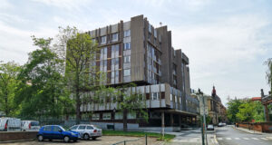 Архитектура Праги конца 20 века: стекло, бетон и уродские формы