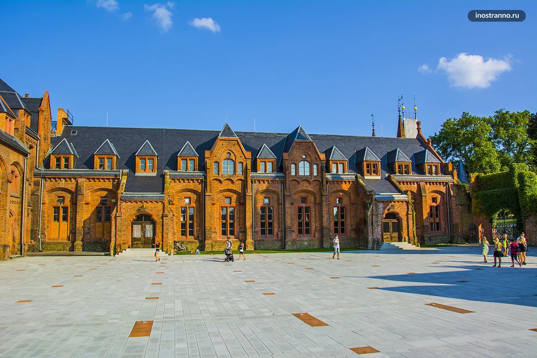 Красивый замок Градец-над-Моравици
