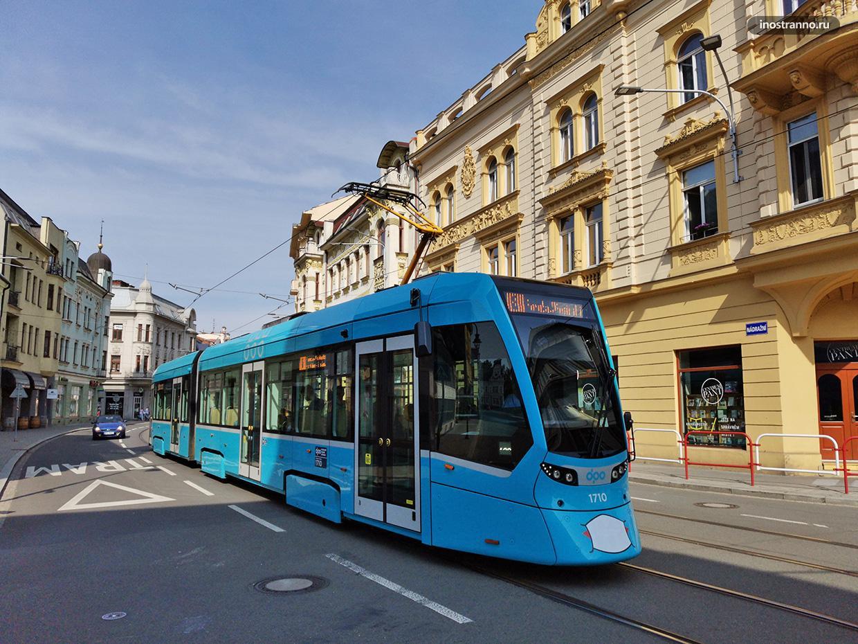 Stadler Tango трамвай в Остраве