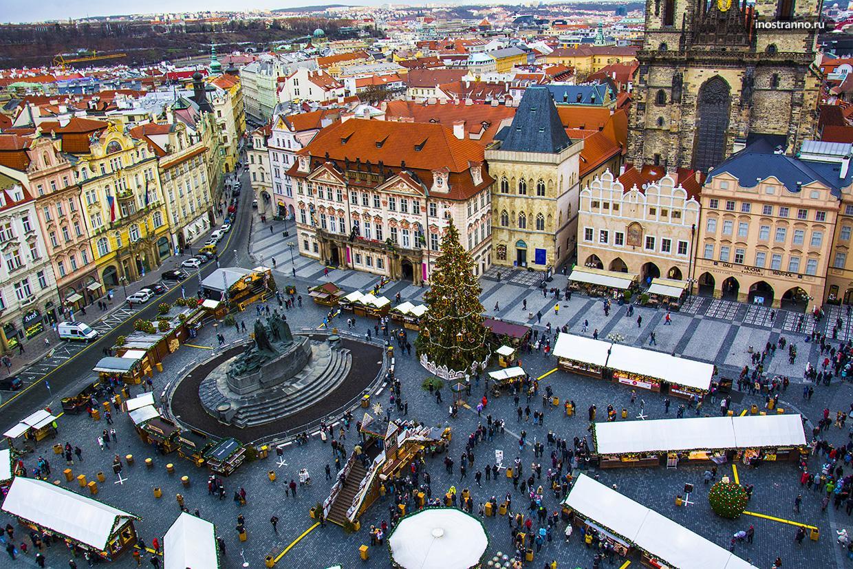 Рынок на Рождество в Праге с высоты