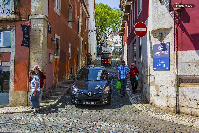 Узкие улочки Португалии