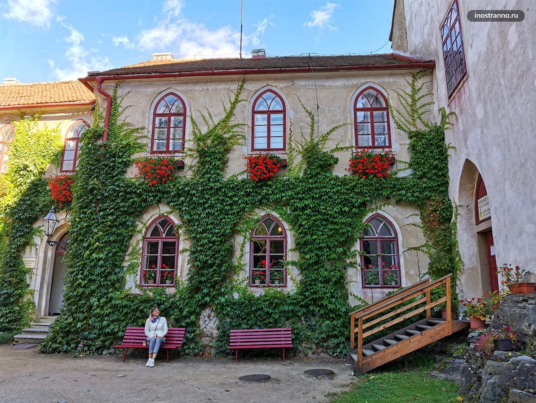 Замок Битов в Чехии территория и вход