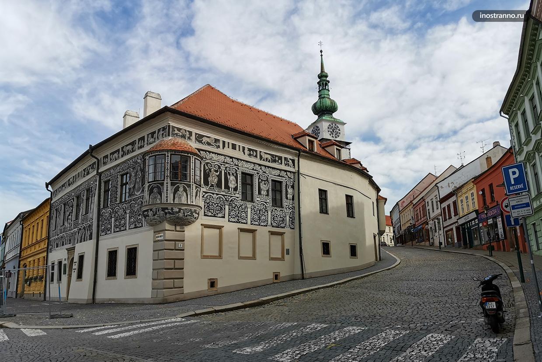 Дом с росписью сграффито в Тршебиче