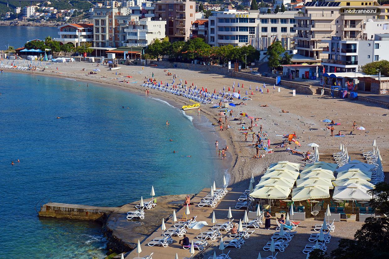 Главный пляж на курорте Добра Вода фото