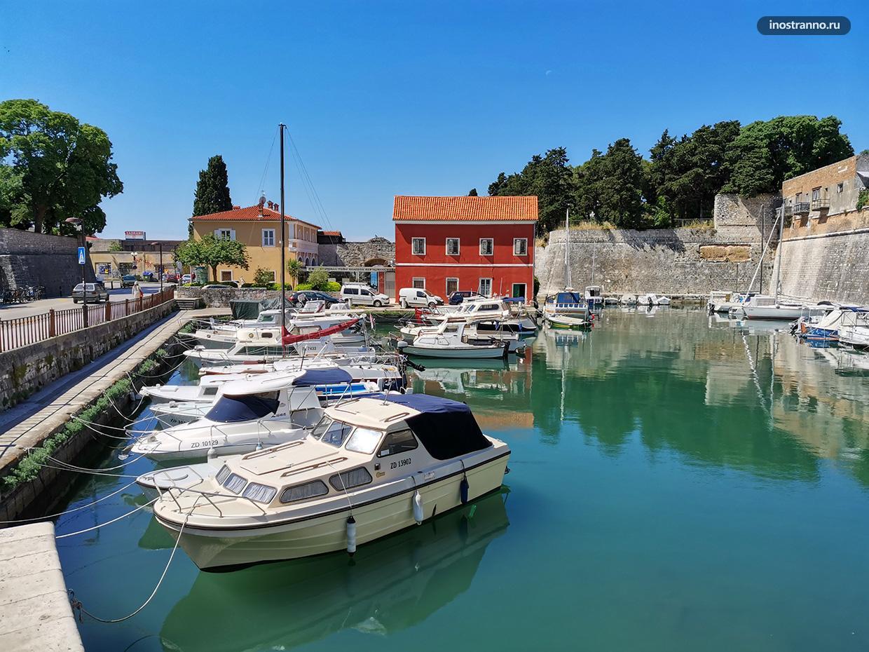 Хорватский город летом