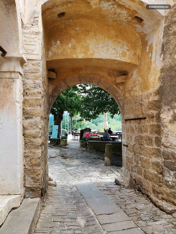 Древние городские стены в Хорватии